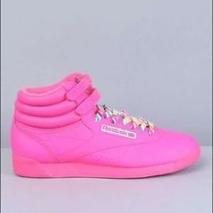 Reebok Freestyle hitop in Neon Pink Size US 6.